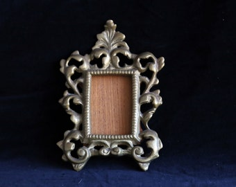 Vintage small brass Victorian style frame