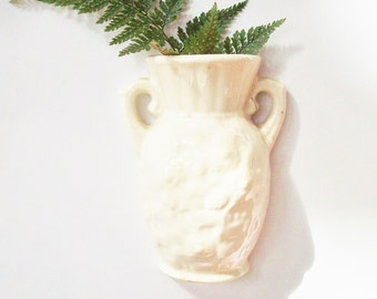 Vintage Wall Hanging small Vase / Off White / Fine crackle glaze / Small Size