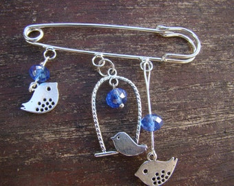 PIN fantasy metal argentye and blue glass beads