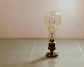 Big antique industrial bulb, not working.