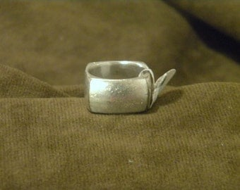 Heavy Sterling Silver Ring with Square Design - Size 11 3/4