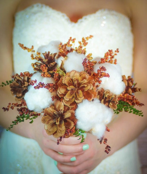Cotton pinecones bridal bouquet