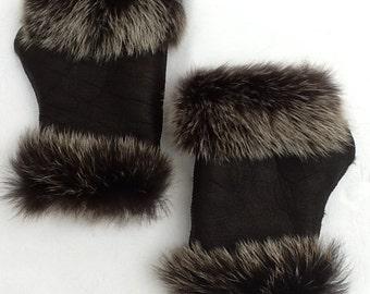 Wrist warmers / fingerless gloves made of genuine sheepskin no. 20