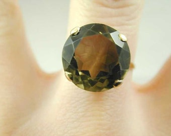 Vintage 9CT Gold Ring Large Smokey Quartz Solitaire Dated 1965 10.5 Carats