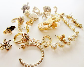 Harvest Shabby Chic Vintage Jewelry lot for Repair. Gold and Rhinestone-Heavy weight 19 pieces (3003)