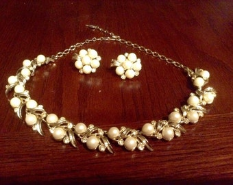 Elegant Sarah Coventry Necklace and Earring Set