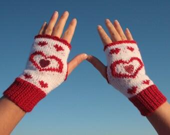 Valentine's fingerless gloves, Red and white fingerless gloves knitted and crocheted