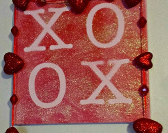 Valentine XOXO sign, Love XOXO sign, hugs and kisses sign, XOXO decor, hugs and kisses decor, valentines gift, girlfriend gift, wife gift