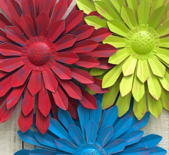 3 large metal flowers lime red blue 12 tin flower - Massieve decoratieve tuin ...