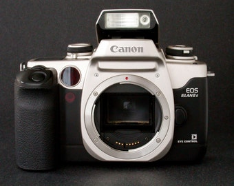 Canon EOS Elan IIE Eye Control 35mm SLR Great Student's Camera Uses Ef Lenses