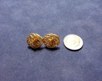 Lovely Pair of Vintage Estate 14K Yellow Gold Stick Earrings 1.8g. E2011