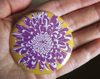 Chrysanthemum pocket mirror