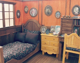 Sweet and Macabre - Vintage/Antique Doll Bedroom Diorama - Blythe/Pullip/Lati/Pukifee/Yosd/BJD