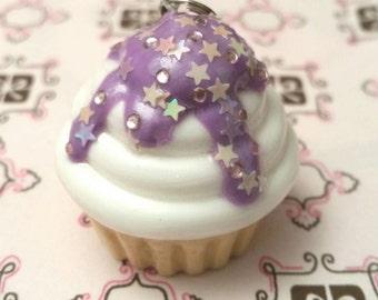 Cupcake pendant white sweet