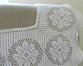 Craft Supplies Vintage Fabric Cotton Crochet Lace Trimmings. Craft Lace Fabric Sewing and Needlecraft. Dolls House Window Curtains