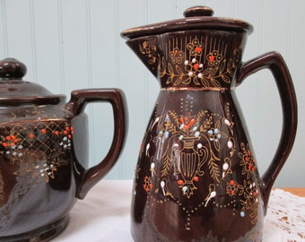 10% off - Red Ware, Vintage, Matching Tea and Chocolate Pots - Set of two - price reflects discount
