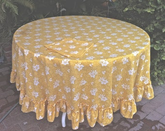 "Perfect Vtg XL 77"" Yellow White Floral Ruffled Round Tablecloth & 2 Napkins"