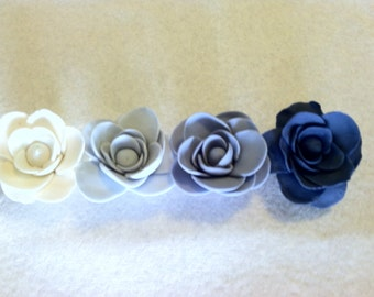 Gumpaste Roses - Winter Blues and White