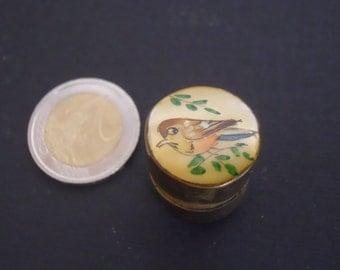 Mini pillbox/Mother of pearl pillbox/Pillbox with animal design/