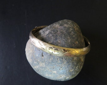 Gorgeous Gold 14kt Bangle Bracelet Vintage Jewelry