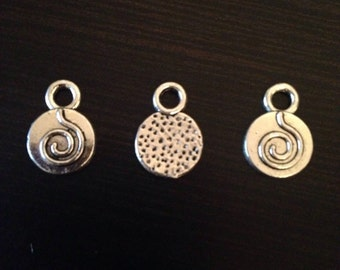 Tibetan Silver Round Swirl Charm Jewelry Making 20 pieces