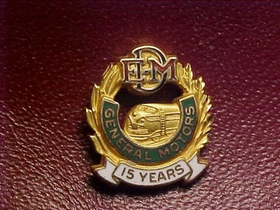 Emd Electro Motive Division Of General Motors 15 Year Service Pin
