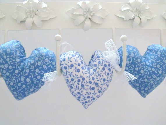 Fabric hanging heart decoration, plush hearts, wall décor, stuffed hanging heart garland