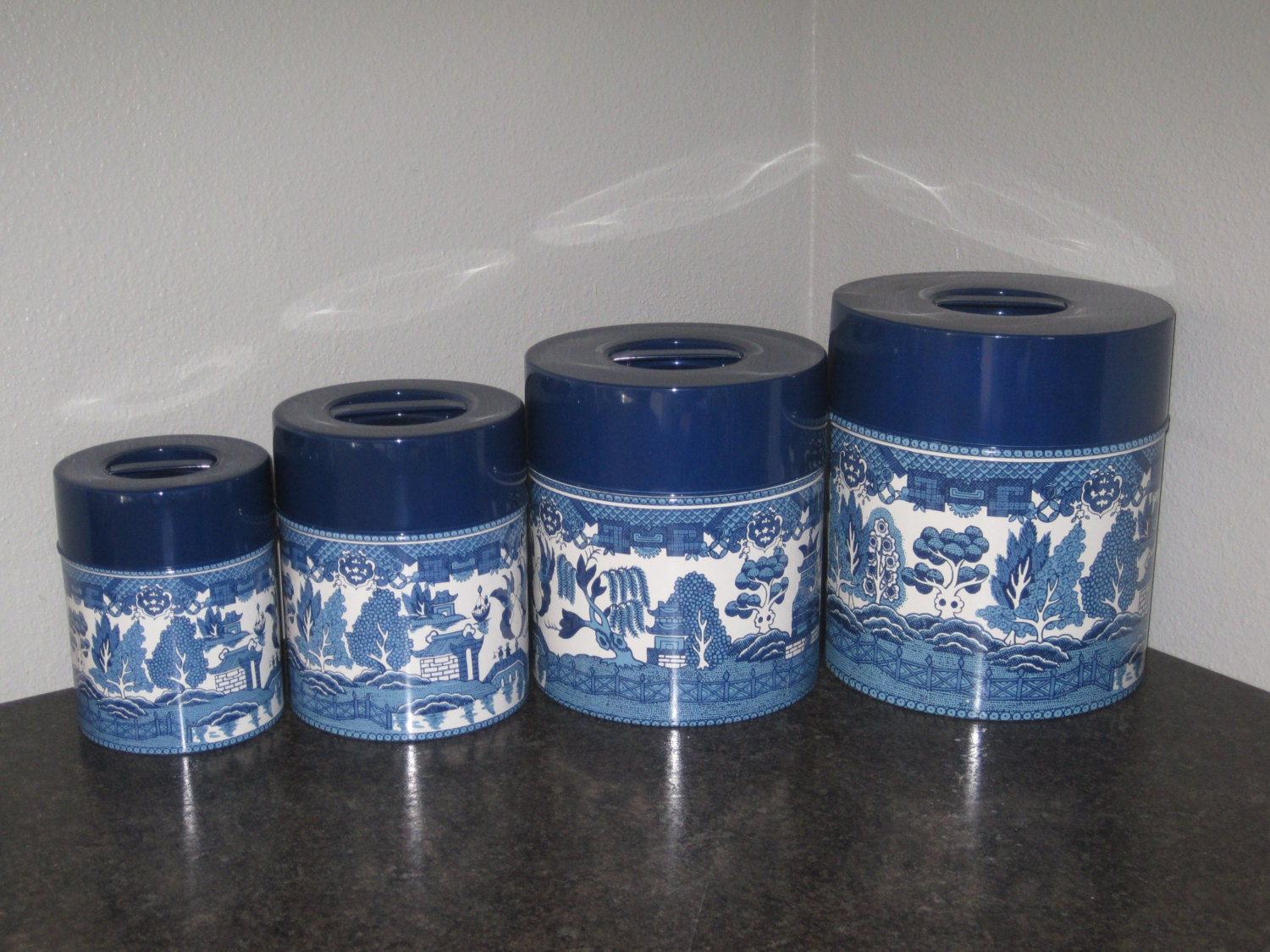 Rare 60 39 s blue willow metal nesting canister set kitchen for Blue kitchen set