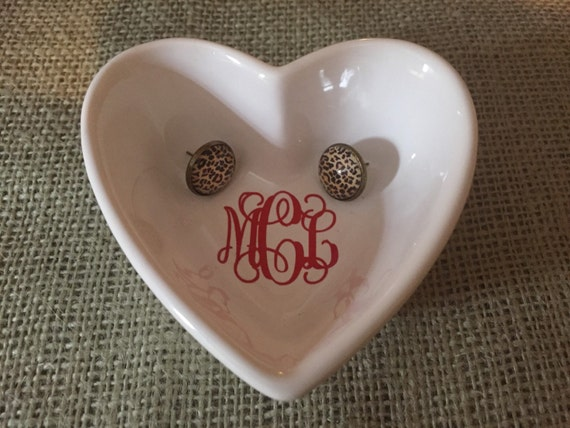 Monogrammed heart jewelry dish by mommaslittlecorner on etsy for Heart shaped jewelry dish