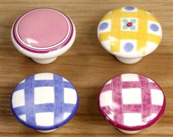 commode boutons tiroir bouton tire poign es blanc argent. Black Bedroom Furniture Sets. Home Design Ideas