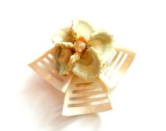Vintage Sea Shell Flower Brooch Cream White Faux Pearl Seashell Pin Handmade Beach Coastal