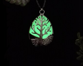 Silver-plated Tree Of Life Glow in the Dark Necklace in GREEN - Tree of Life Necklace