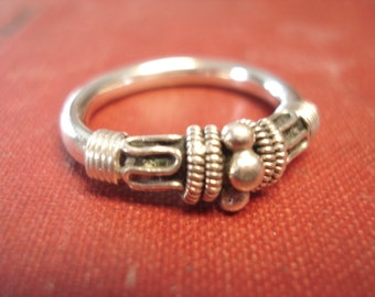 Cute bohemian style silver ring size 8