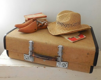 Vintage suitcase, Revelation suitcase, 1950's with checked lining