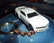 custom made keychain,2010 chevy camaro-ss coupe,gloss white w/chrome mags/hand made chain-jump rings-mint