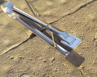 Tweezers-press corrugation petal lampworking, lampworking tool