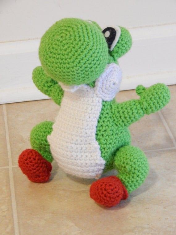 Amigurumi Yoshi Patron Gratuit : Crochet Amigurumi Yoshi avec gratuit Mario Mushroom
