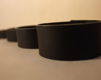 Black satin leather bracelet, from 15 to 30 millimeters-black leather bracelet with satin finish, from 15 to 30 mm