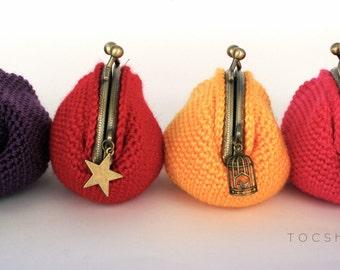 Crochet purse in plain colors