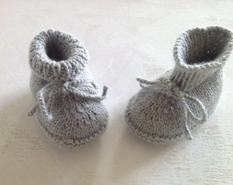 knitted baby booties /baby newborn  booties /merino wool booties /size 0-12 months