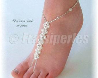 Foot jewelry made with glass pearls. Bijoux de pieds en perles de verre.