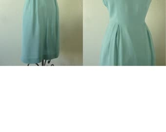 1950's Turquoise Blue Rayon Wiggle Dress. Bust 36-38 inch