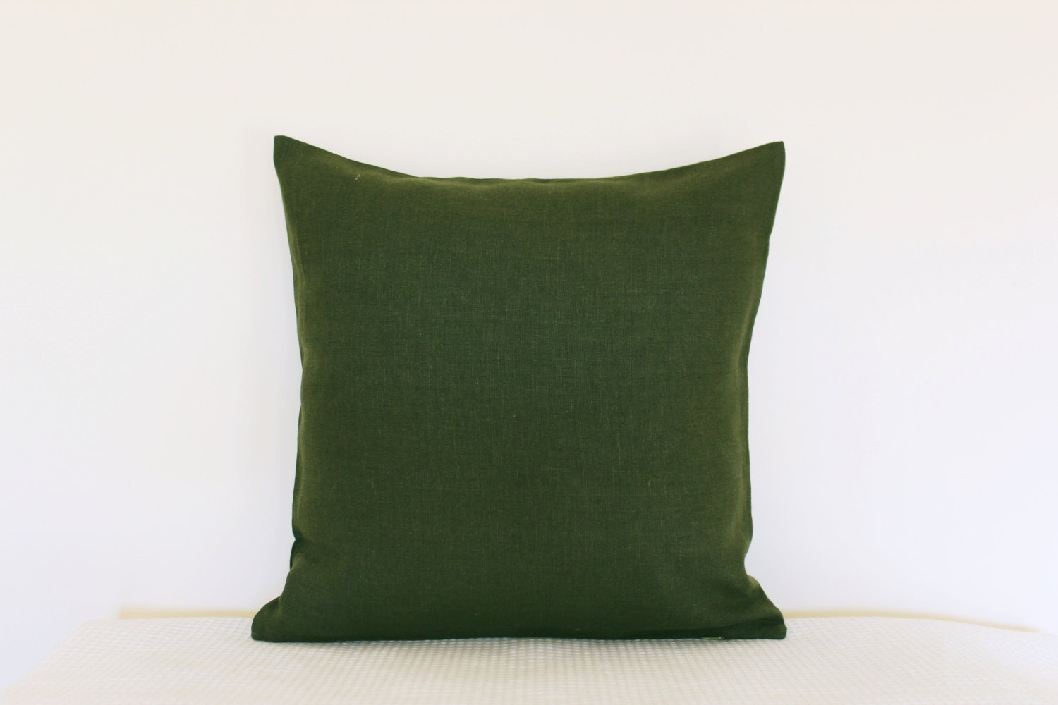 Decorative moss green color linen pillow cover. Modern Spring