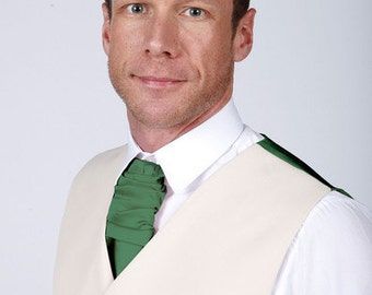 Beautiful Men's Cravat available in a Range of Colours to match your Bridal party including Emerald Green