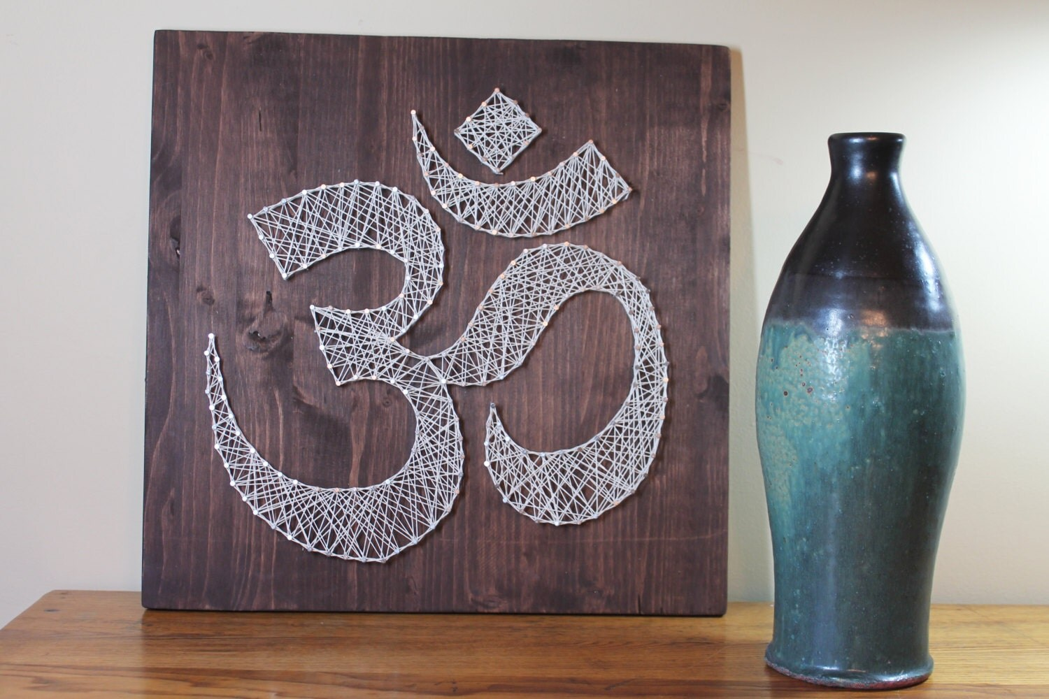 Om wall art meditation sign string art omkara aumkara for Diy nail and string art