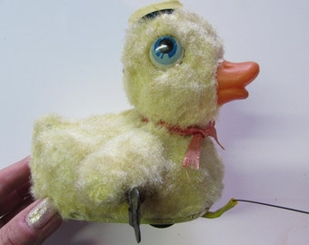 VINTAGE 1960-1970's MADE in JAPAN Plush Wind Up Metal Toy Waddling Duck