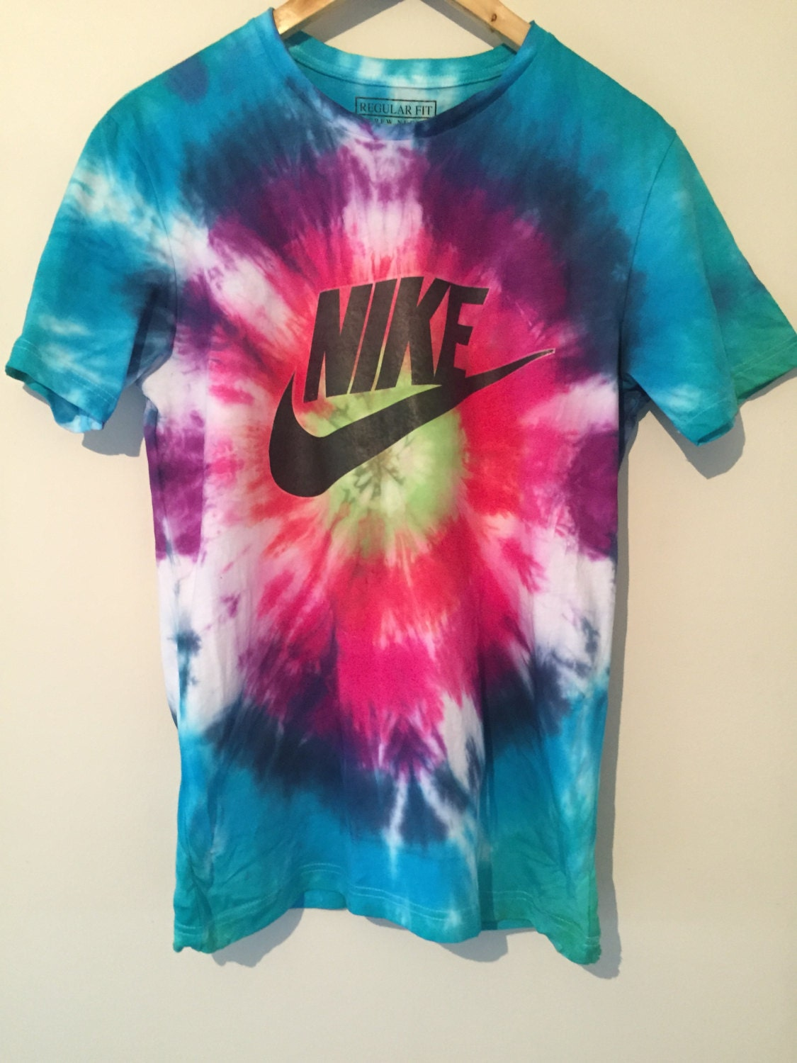Psychedelic 90s rainbow tie dye nike tick tee t shirt unisex for Nike tie dye shirt and shorts