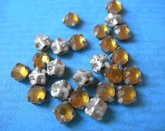 Vintage Rose Montees 3mm Sew-ons LIGHT TOPAZ silver channel settings crystal glass lot of 24