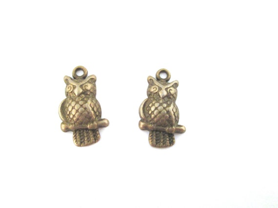 16 brass plated owl charms