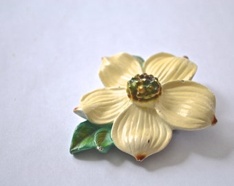 Wood Brooch, Dogwood Flower Brooch, Floral Brooch, Dogwood Brooch, 1960s Brooch, Yellow Brooch, Vintage Pin, Vintage Brooch, Brooch